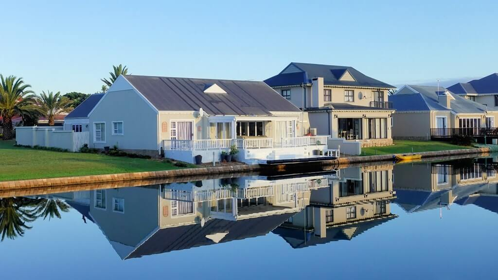 Big investors buying single-family homes
